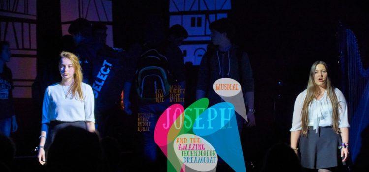 Die Josephsgeschichte als Schüler-Musical in der Stadthalle Weinheim